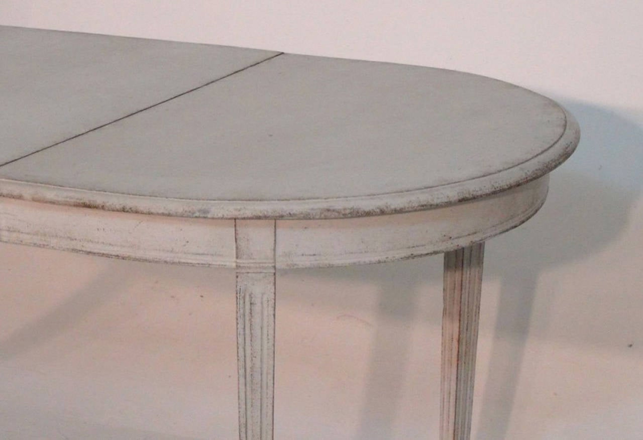 20th Century Swedish Painted Dining Table in the Gustavian Style