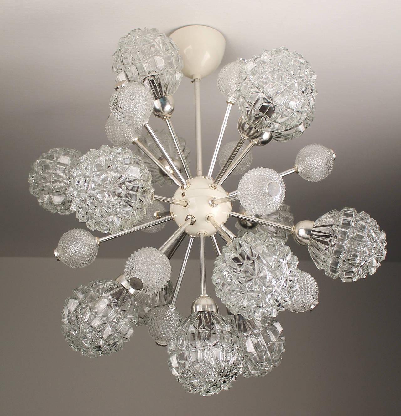 European  Large Sunburst Glass Chandelier,  1960s Modernist  Stilnovo Style Pendant Lamp  For Sale