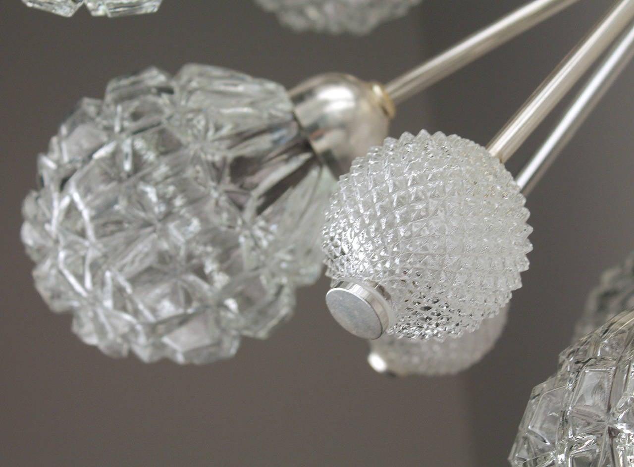 Large Sunburst Glass Chandelier,  1960s Modernist  Stilnovo Style Pendant Lamp  For Sale 2