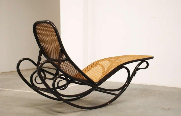 thonet 39 nr 7500 39 schaukelliege for sale at 1stdibs. Black Bedroom Furniture Sets. Home Design Ideas