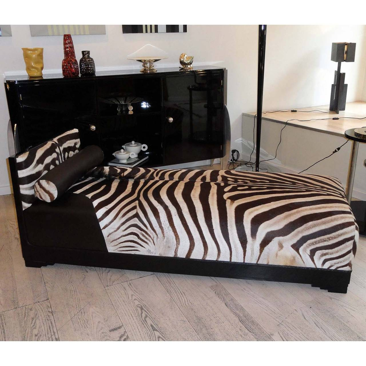 Zebra chaise faux zebra print double ended chaise lounge for Chaise longue pronunciation