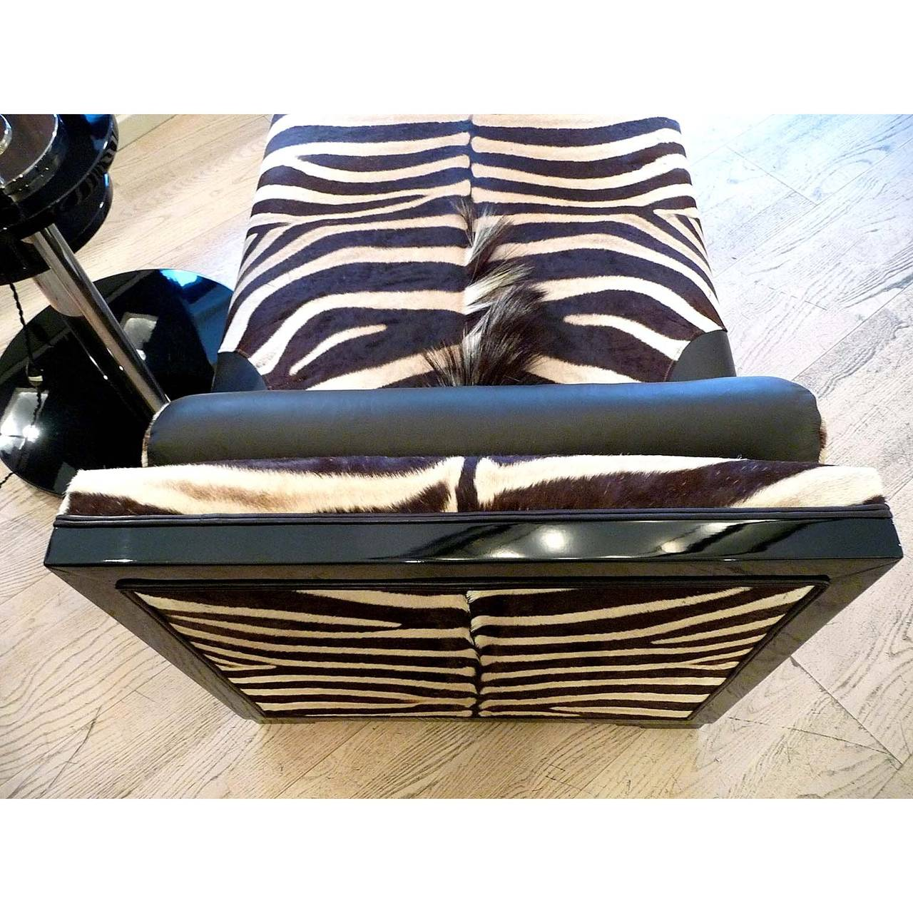 exquisite art deco french chaise longue with zebra skin for sale at 1stdibs. Black Bedroom Furniture Sets. Home Design Ideas