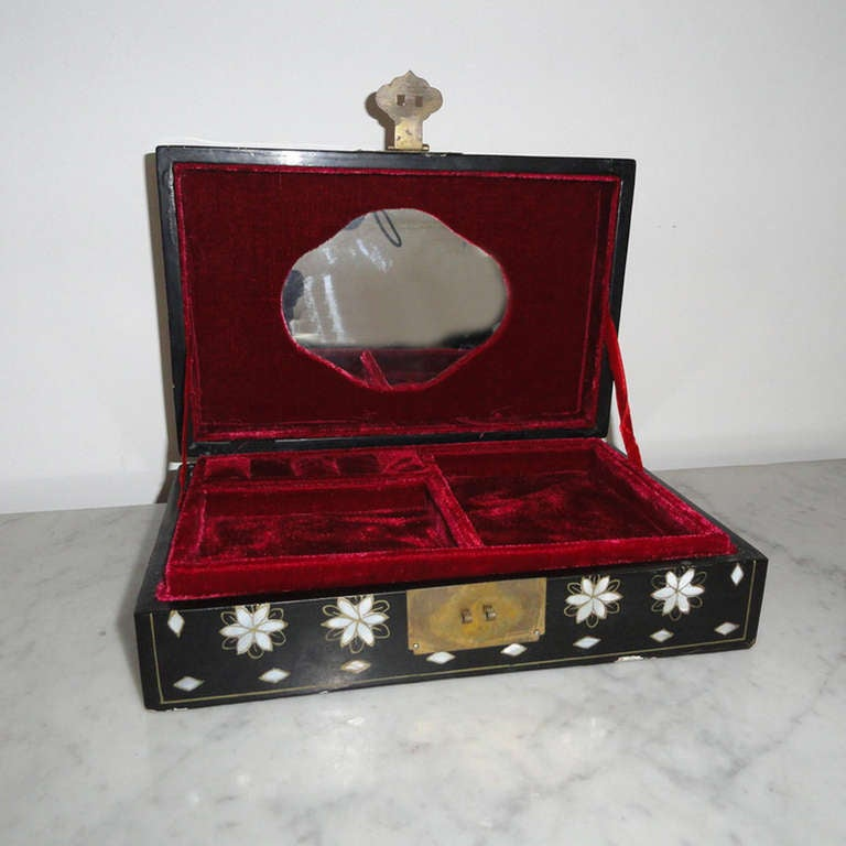 Asiatica Jewelry Box Black Lacquer And Mother Of Pearl For
