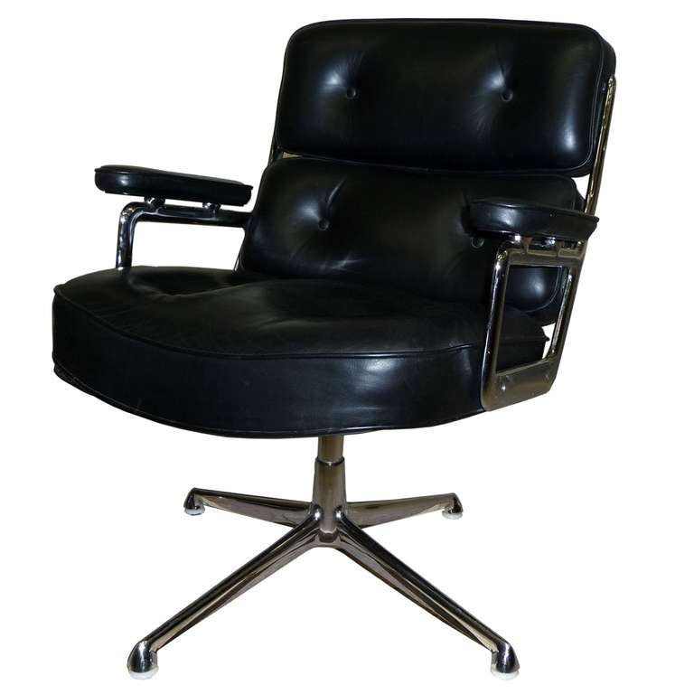 675 lobby chair charles and ray eames for herman miller at 1stdibs. Black Bedroom Furniture Sets. Home Design Ideas