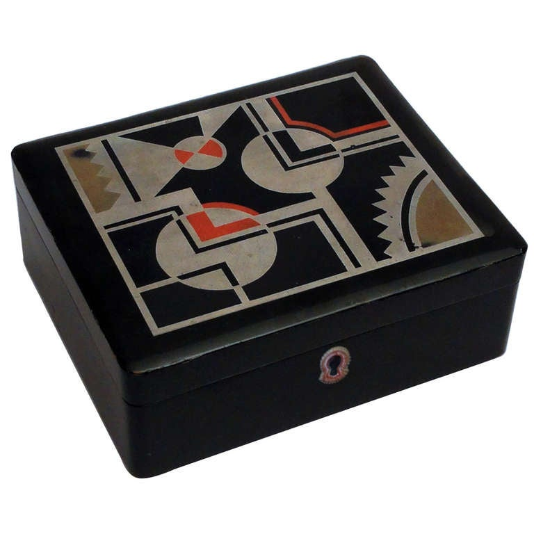 Beautiful Art Deco Lacquered Decorative Box Jewelry Box For Sale