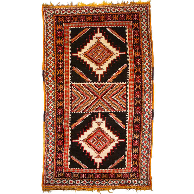 Moroccan Vintage Middle Atlas Rug At 1stdibs: A Vintage Moroccan Berber Rug For Sale At 1stdibs