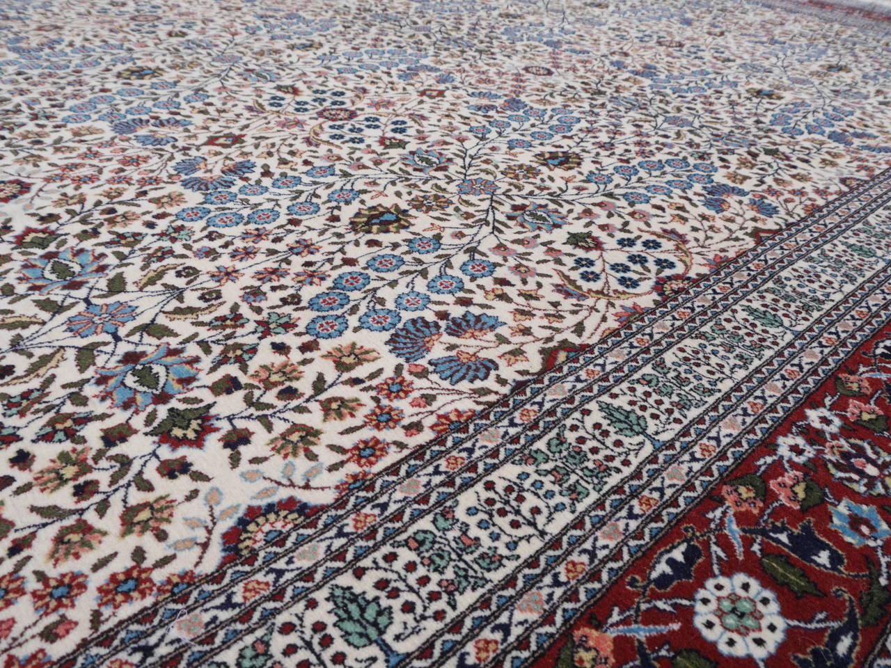 Fine Vintage Turkish Hereke Carpet For Sale 3