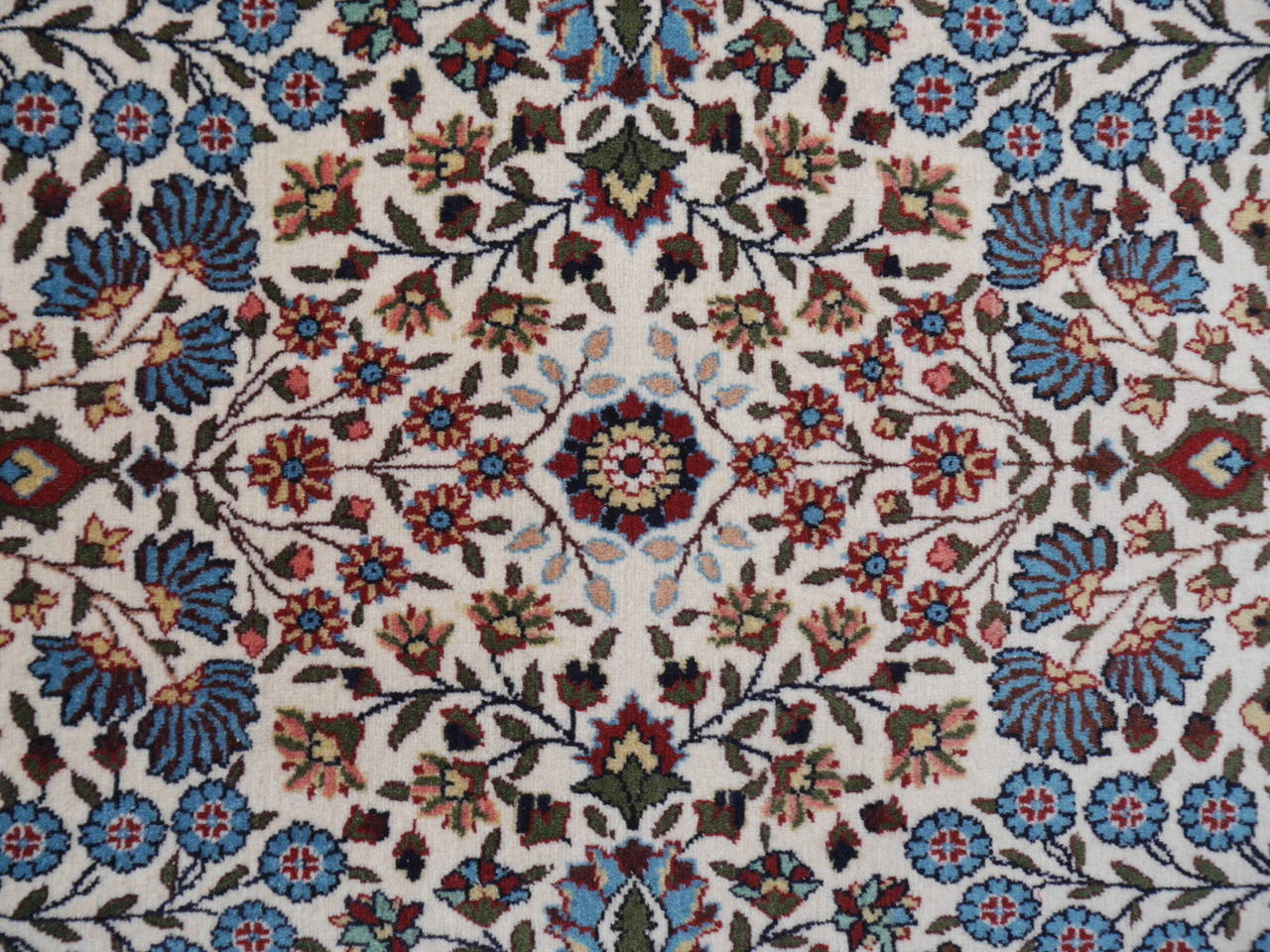 Fine Vintage Turkish Hereke Carpet For Sale 1