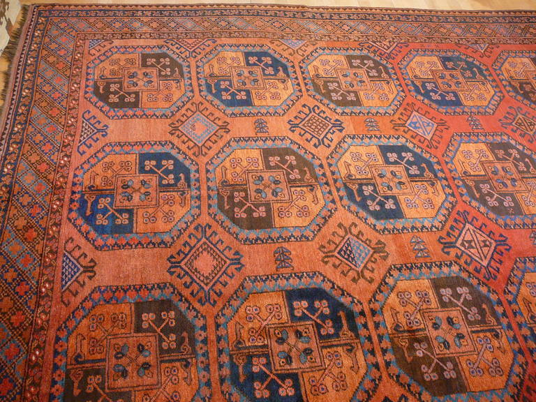 Antique Turkmen Gentlemens Carpet Large Size In Excellent Condition For Sale In Lohr, Bavaria, DE
