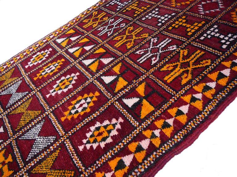 Vintage moroccan Berber rug 4