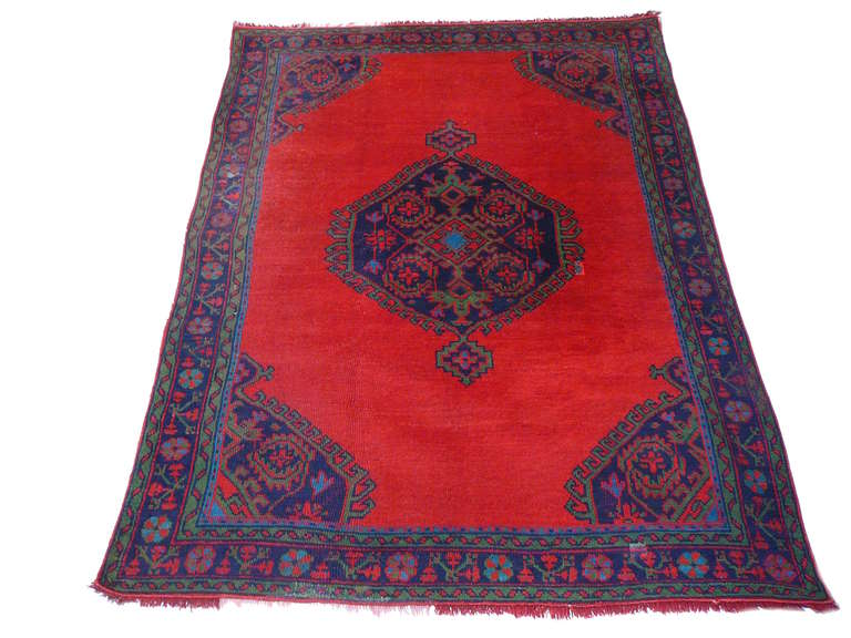 Great example of Turkish Oushak rugs. Made about 100 years ago from fine wool, hand-knotted in Turkey.