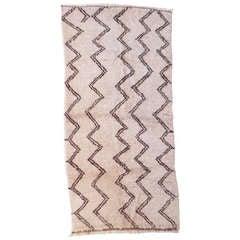 Zig-Zag designed vintage north african Berber rug