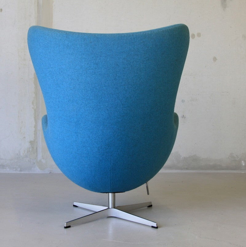 arne jacobsen egg chair fritz hansen at 1stdibs. Black Bedroom Furniture Sets. Home Design Ideas