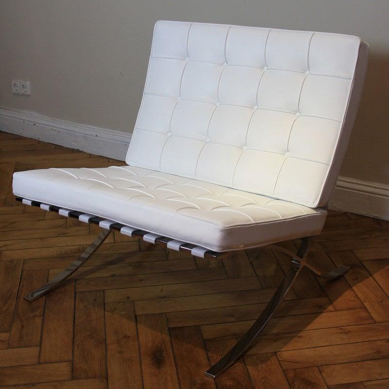 ludwig mies van der rohe barcelona chair knoll international at 1stdibs. Black Bedroom Furniture Sets. Home Design Ideas