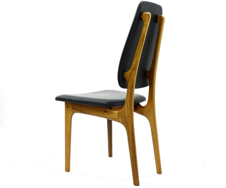 High back dining chair by Erik Buch for O.D Møbler, Denmark. Two chairs available.   Very good condition!