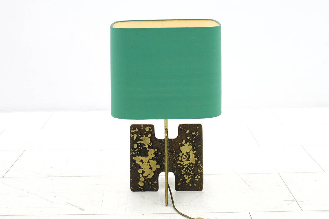 Brutalist Table Lamp in Brass, circa 1960s In Good Condition For Sale In Frankfurt / Dreieich, DE