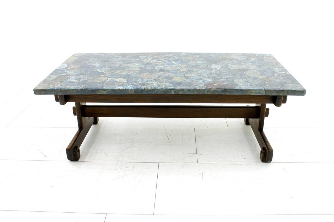Rare sergio rodrigues coffee table with apatit stone for Sofa 50 cm sitzhohe