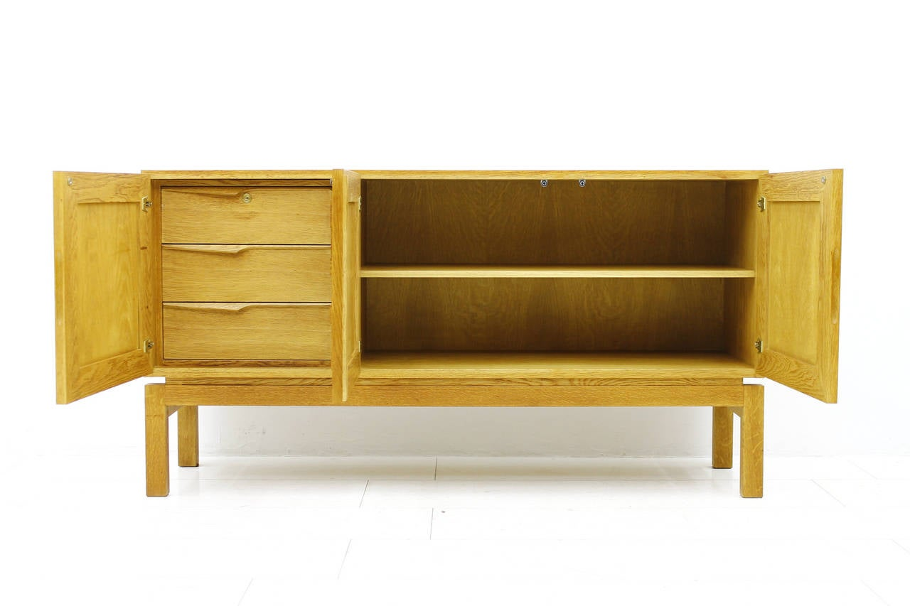 Beautiful Wood Sideboard ~ Beautiful oak sideboard with graphic wood front circa