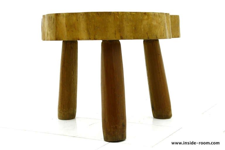 Very nice wood table or stool. Tree plate with three solid wood legs. Can be use as a stool or a side table.  Measures: Diameter circa 65 cm, height 47 cm.  Original good vintage condition!  Worldwide shipping.