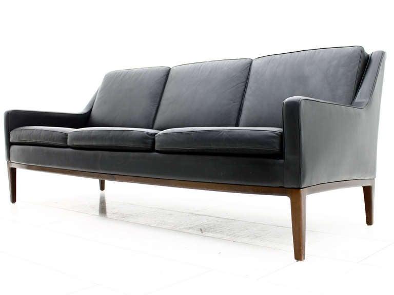 Scandinavian leather sofas scandinavian design sofa couch for Sofa nordic