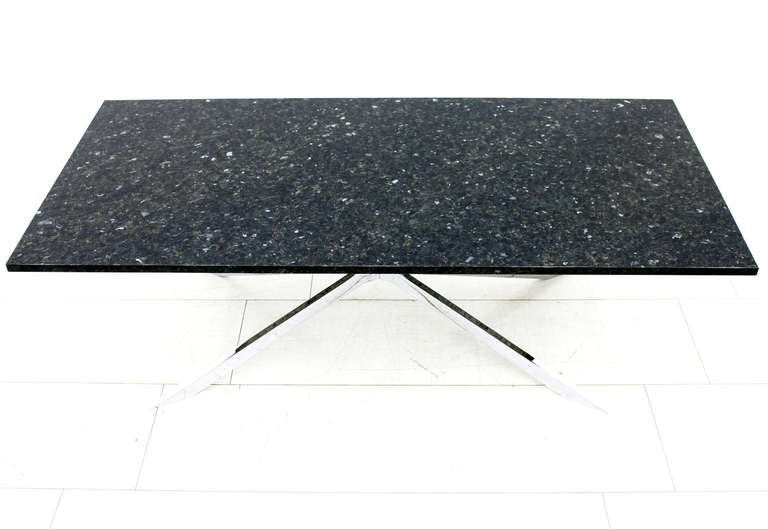Mid-Century Modern Beautiful Coffee Table in Chromed Steel and Black Labrador Granite, 1970s For Sale
