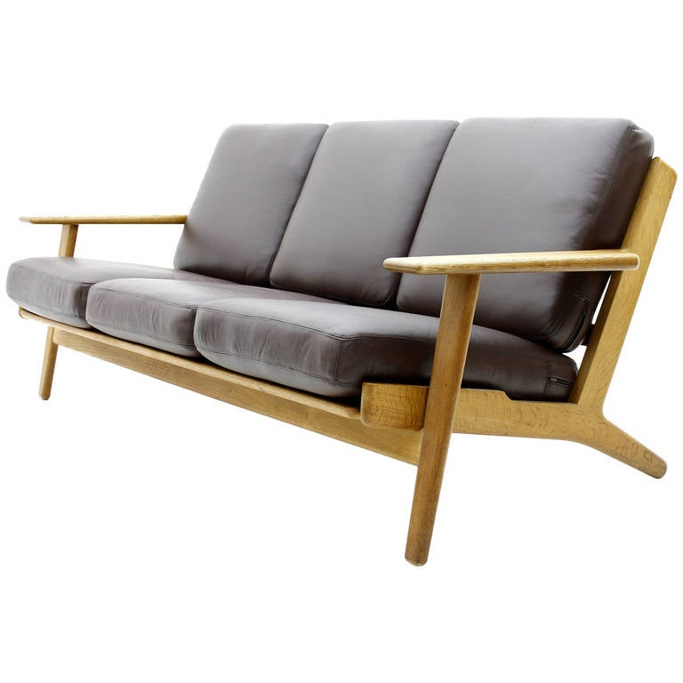 hans j wegner sofa ge 290 for getama in oak and leather 1960s for sale at 1stdibs. Black Bedroom Furniture Sets. Home Design Ideas