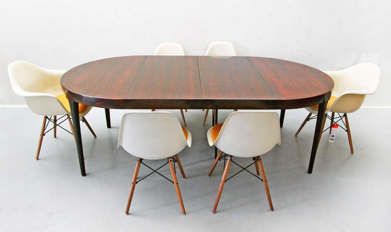 Dining table by ib kofod larsen rosewood 60s danish modern for Furniture 60s style