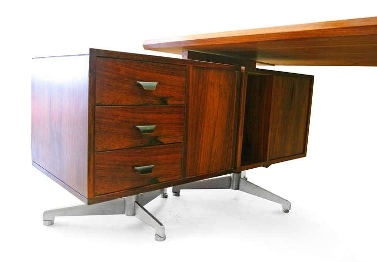 desk midcentury modern italian design rosewood 60s tecno at 1stdibs. Black Bedroom Furniture Sets. Home Design Ideas