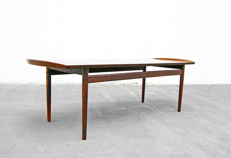 Coffee Table in Rosewood of Mid Century Danish Modern