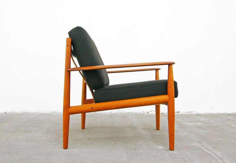 pair of teak easy chairs by grete jalk france and son. Black Bedroom Furniture Sets. Home Design Ideas