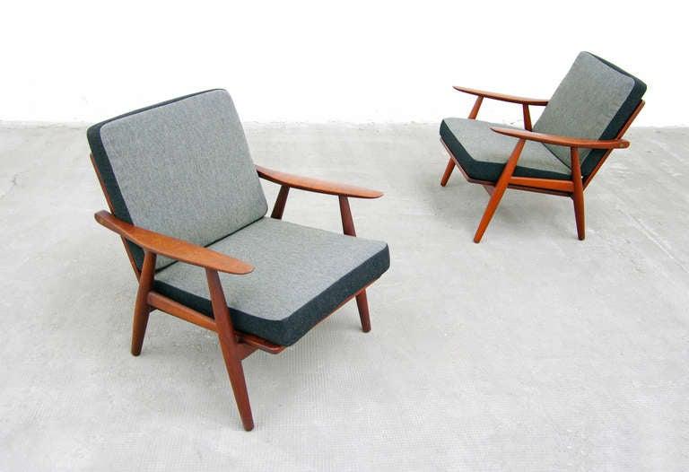 pair of teak easy chairs by hans wegner for getama ge 270. Black Bedroom Furniture Sets. Home Design Ideas