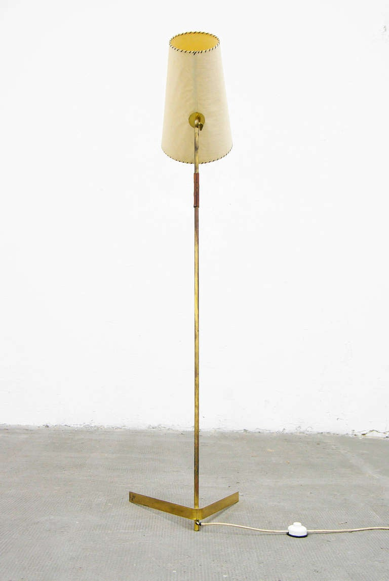 mid century modern brass floor lamp 1950s at 1stdibs. Black Bedroom Furniture Sets. Home Design Ideas