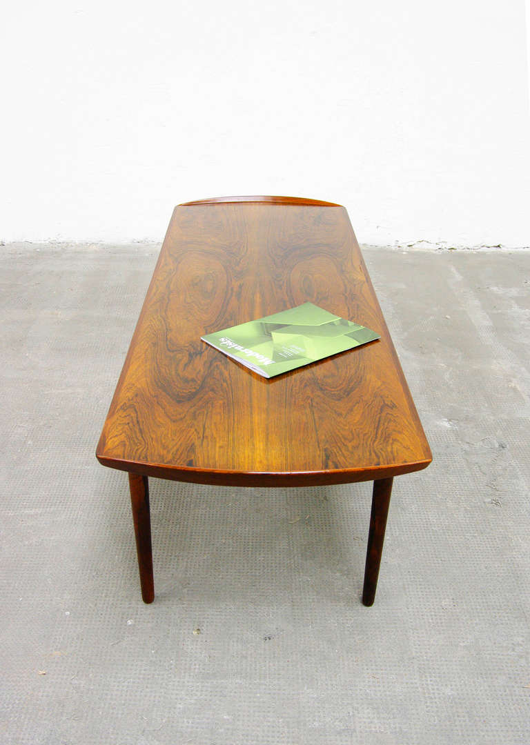 Coffee table in rosewood of mid century danish modern for Danish design mobel
