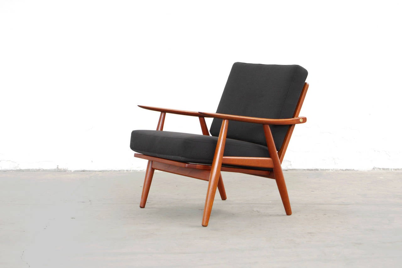 pair of easy chairs by hans wegner ge 270 getama teak. Black Bedroom Furniture Sets. Home Design Ideas