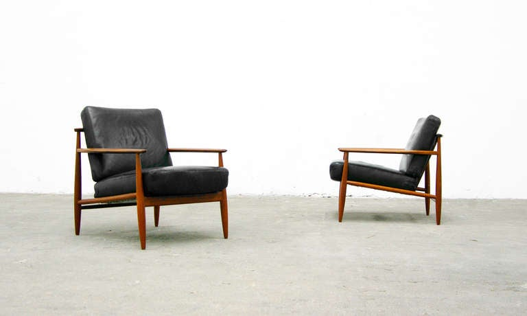 2 easy chair mid century danish modern design teal. Black Bedroom Furniture Sets. Home Design Ideas