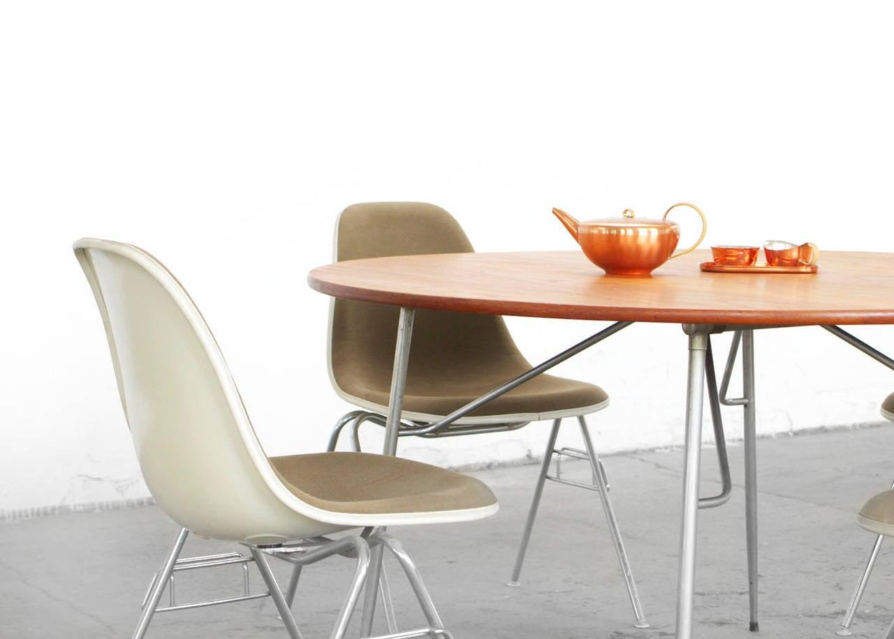 Esstisch Danish Teak ~ Børge Mogensen Teak and Stainless Steel Round Dining Table For Sale at 1stdibs