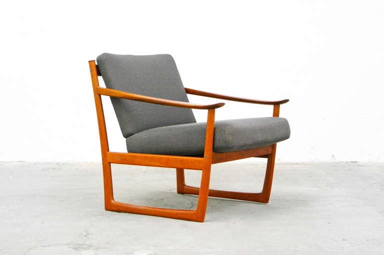 Easy chair by p hvidt fd 130 france and son teak mid for Designer chairs from the 60s