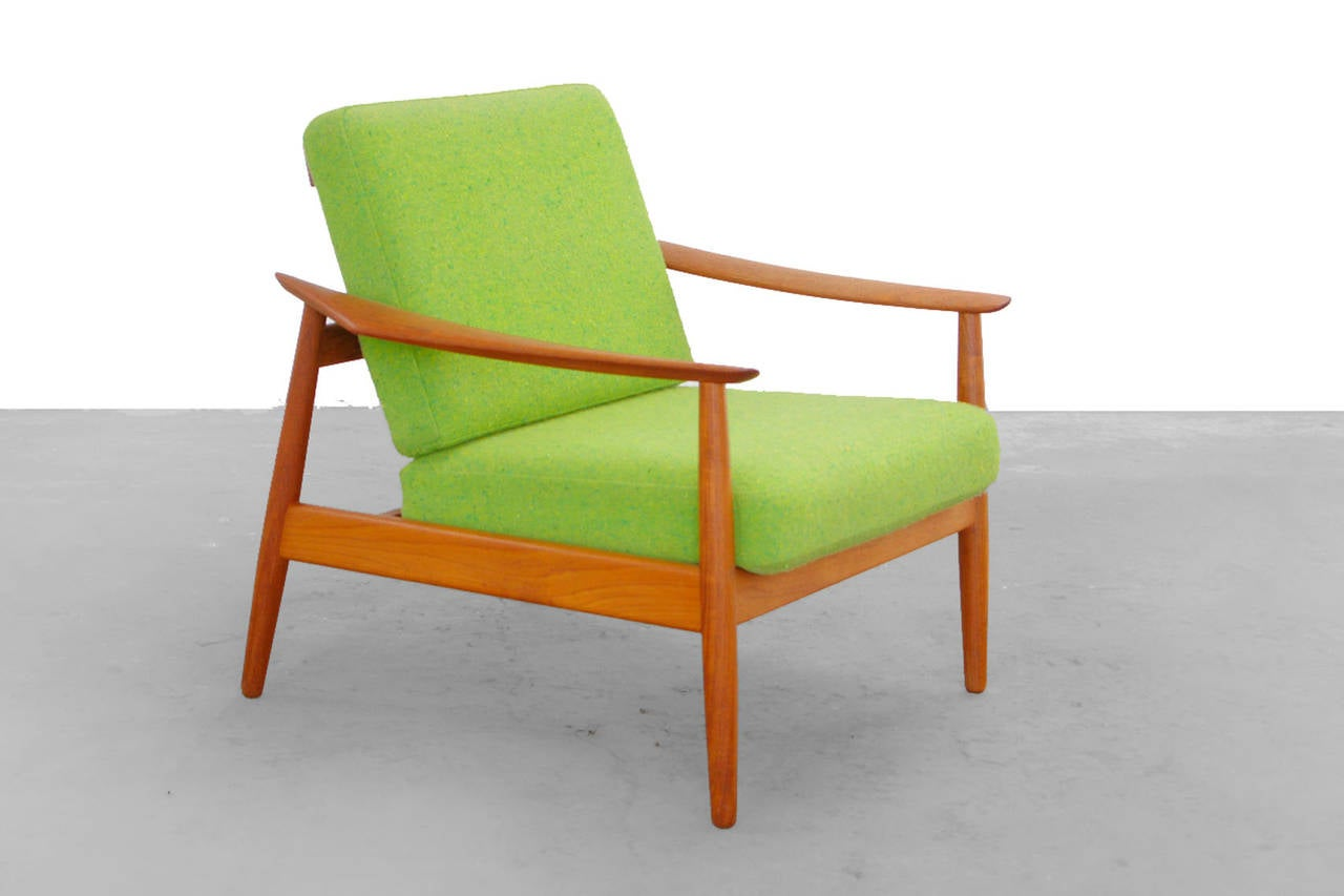 teak easy chair by arne vodder for cado mod 164 danish modern design at 1stdibs. Black Bedroom Furniture Sets. Home Design Ideas