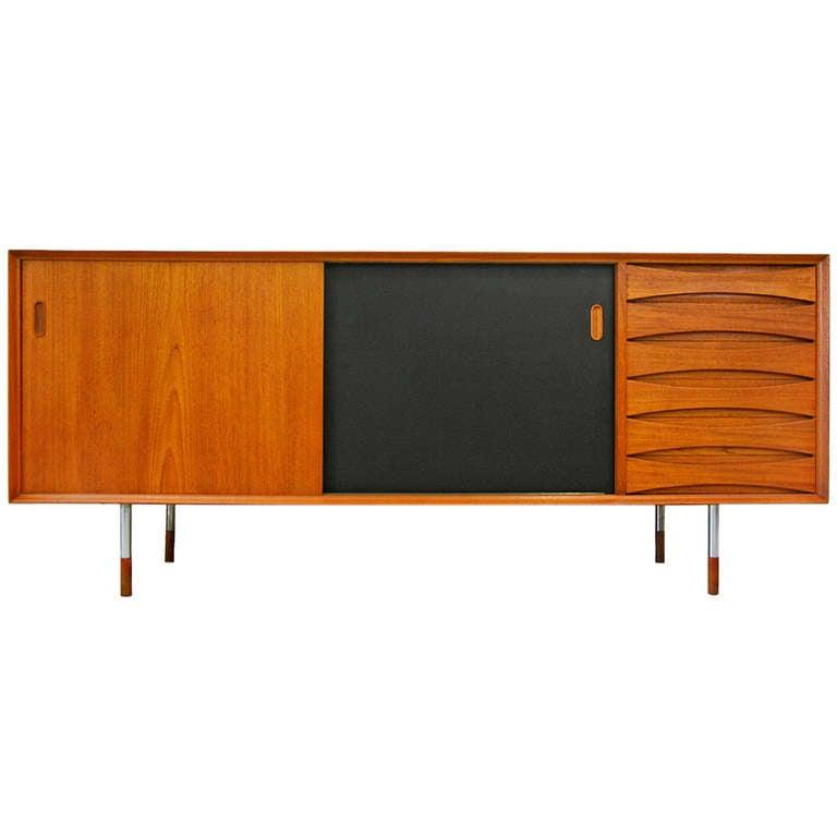sideboard triennale os 29 by arne vodder sibast teak at 1stdibs. Black Bedroom Furniture Sets. Home Design Ideas