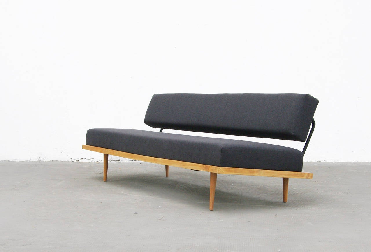 Sofa By Florence Knoll International Daybed In Beech Mid