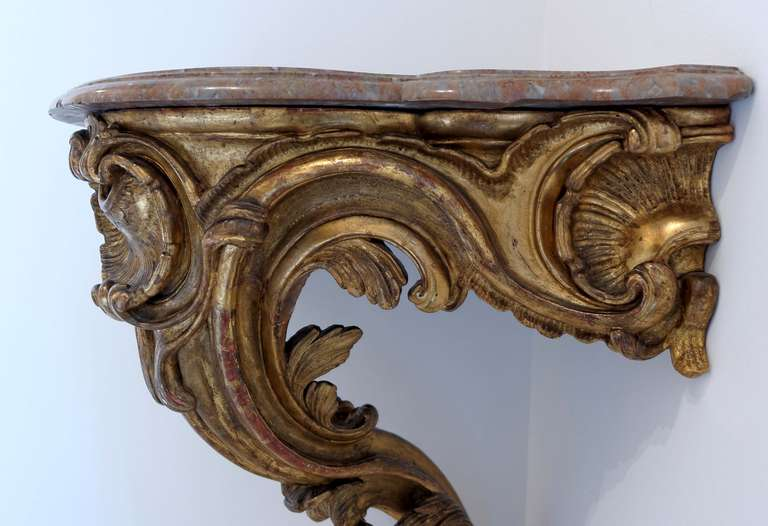 18th Century and Earlier French Louis XV, Mid-18th Century Giltwood Corner Console For Sale