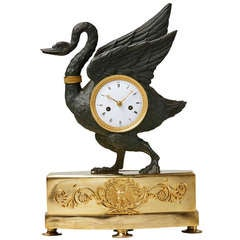 Early 19th Century Empire Ormolu and Patinated Bronze Swan Table Clock