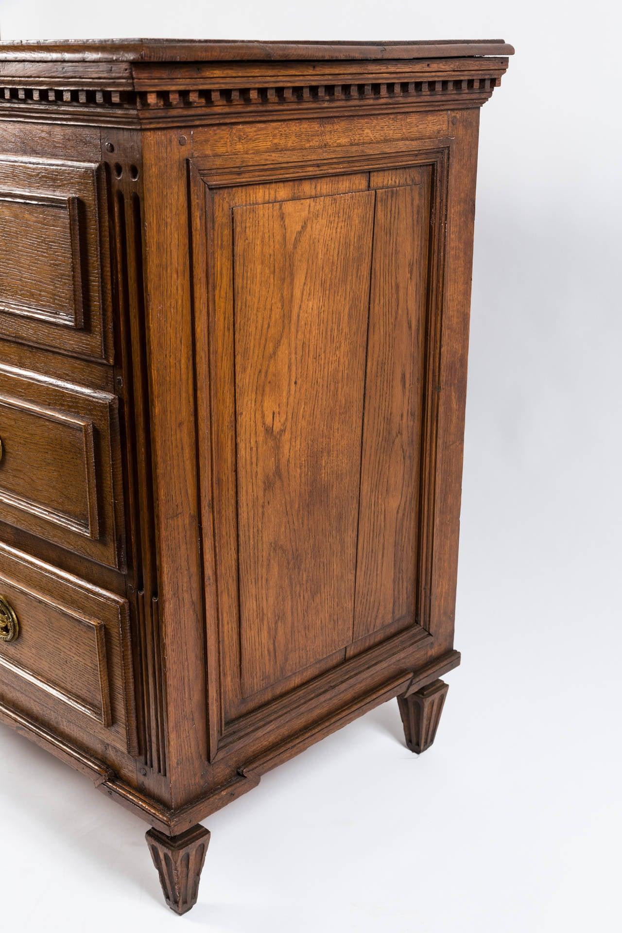 18th Century French Louis XVI Dresser in Solid Oak 4
