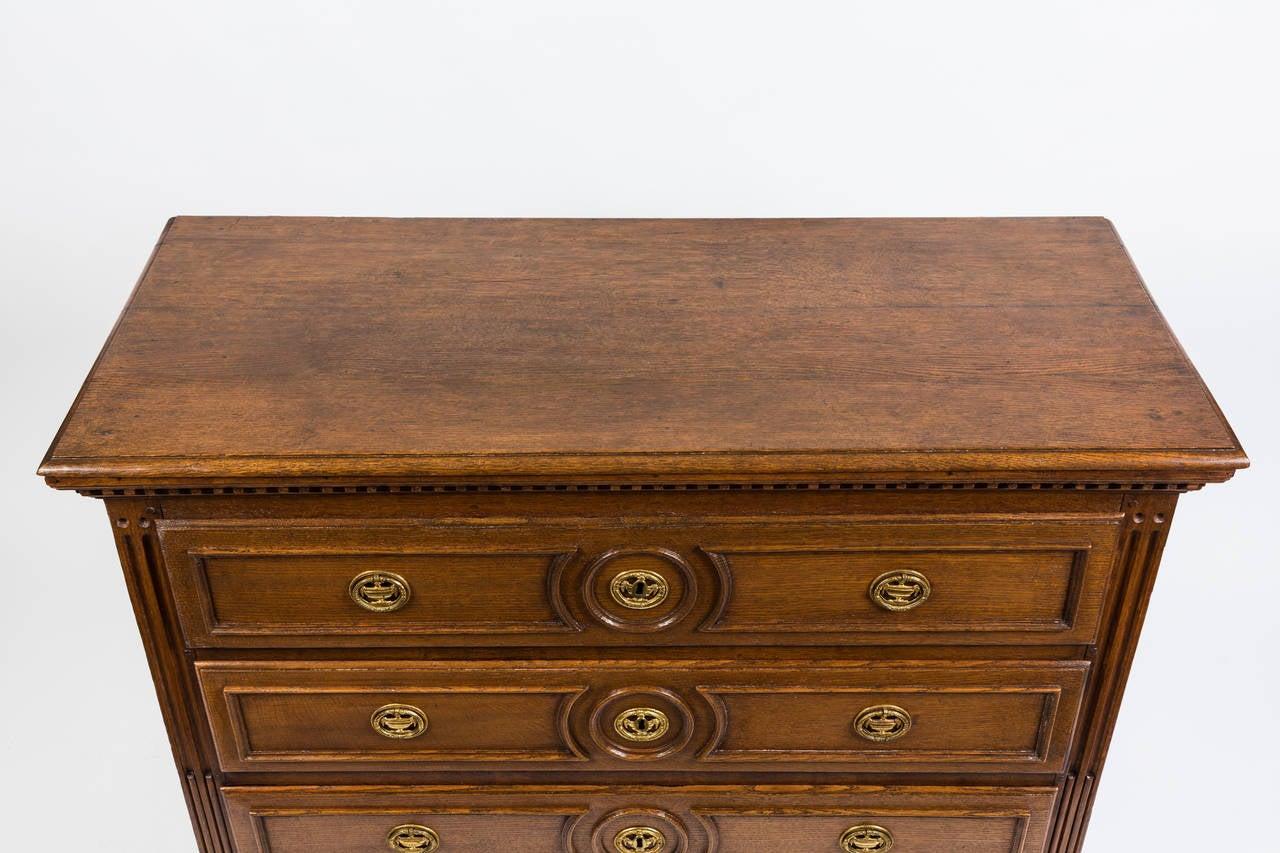 18th Century French Louis XVI Dresser in Solid Oak 3