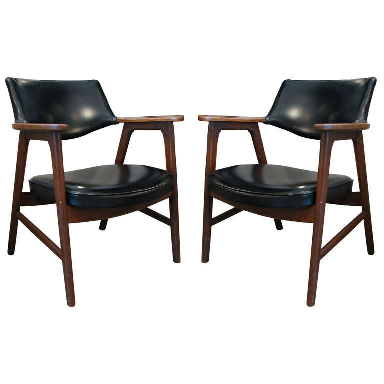 Pair Of Paoli Chairs At Stdibs - Paoli furniture