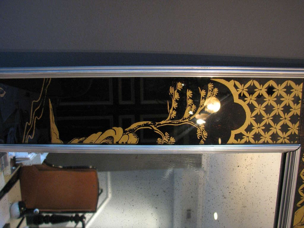 Mid-Century Modern Rare Symmetrically-Framed La Barge Mirror Feat. Eglomise in Black and Gold For Sale