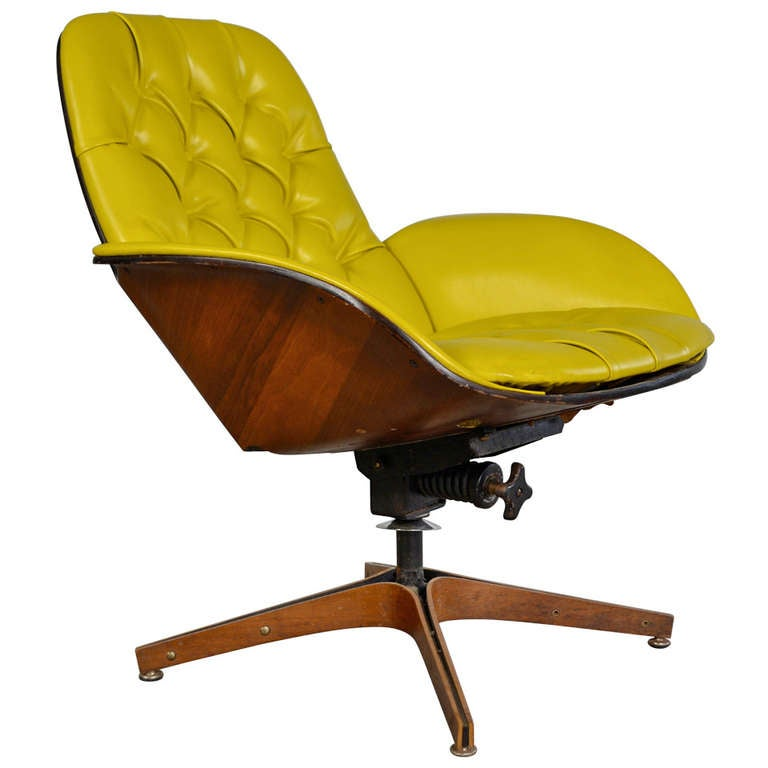 Swivel Lounge Chair By George Mulhauser For Plycraft At