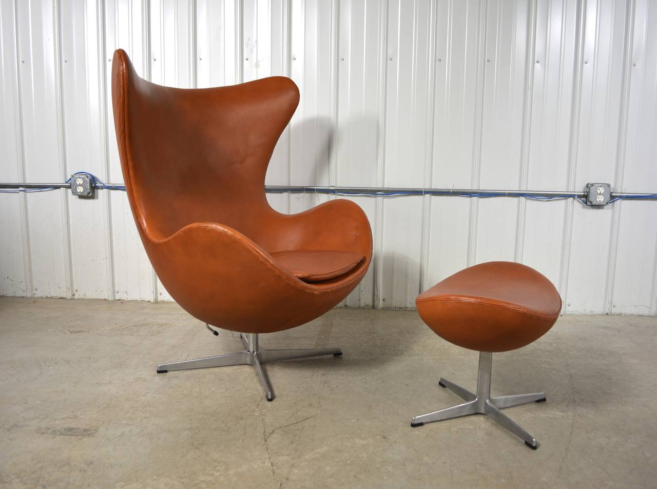 Arne Jacobsen Egg Chair And Ottoman For Sale At 1stdibs