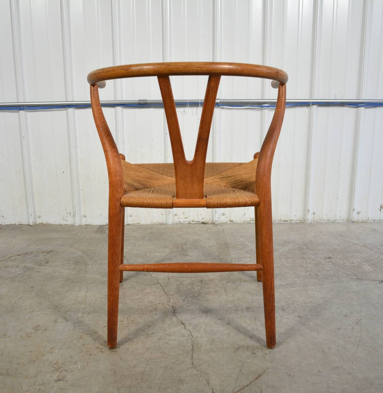 hans wegner set of six y chairs for sale at 1stdibs. Black Bedroom Furniture Sets. Home Design Ideas