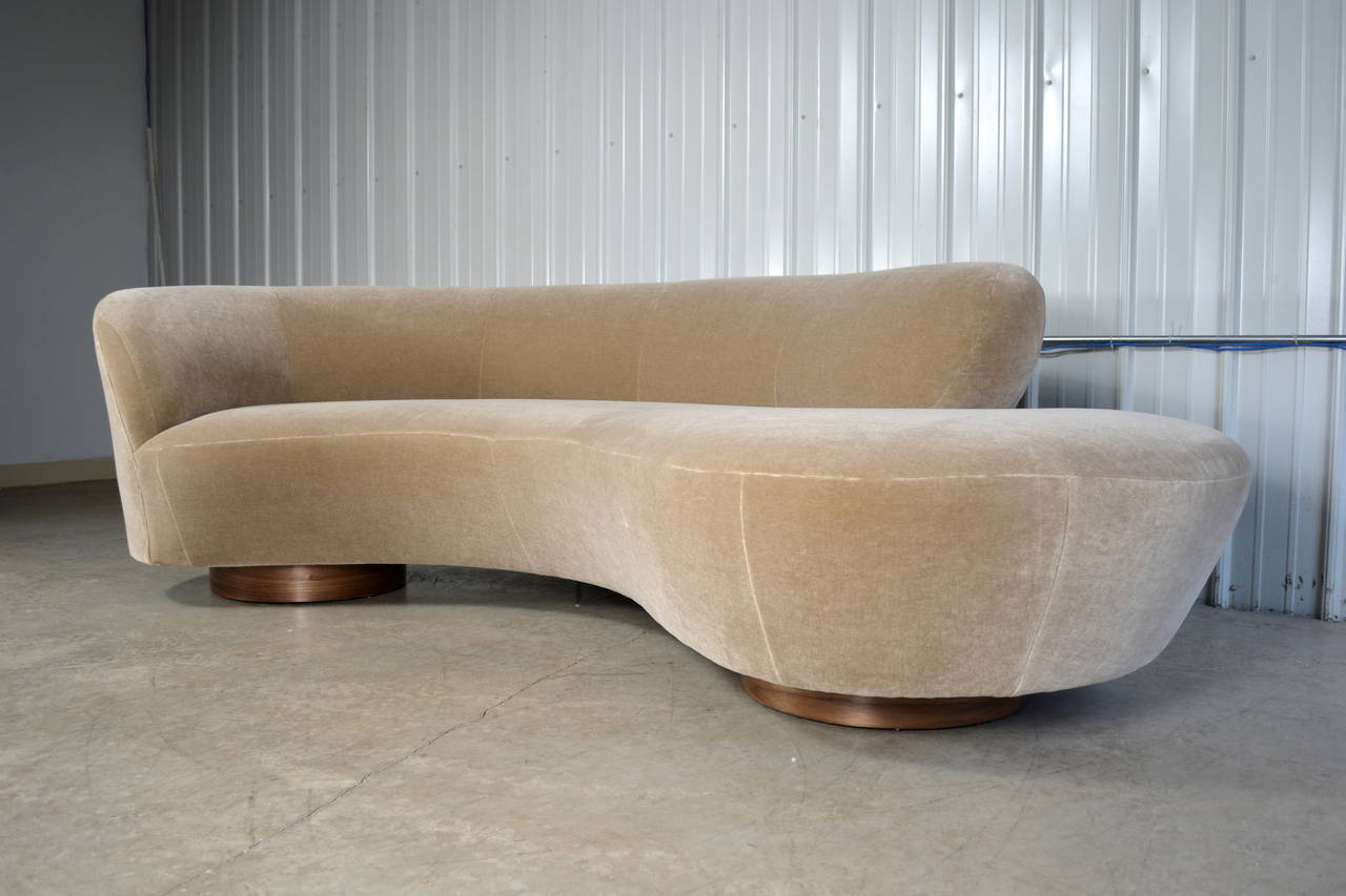 Vladimir Kagan Serpentine Sofa At 1stdibs